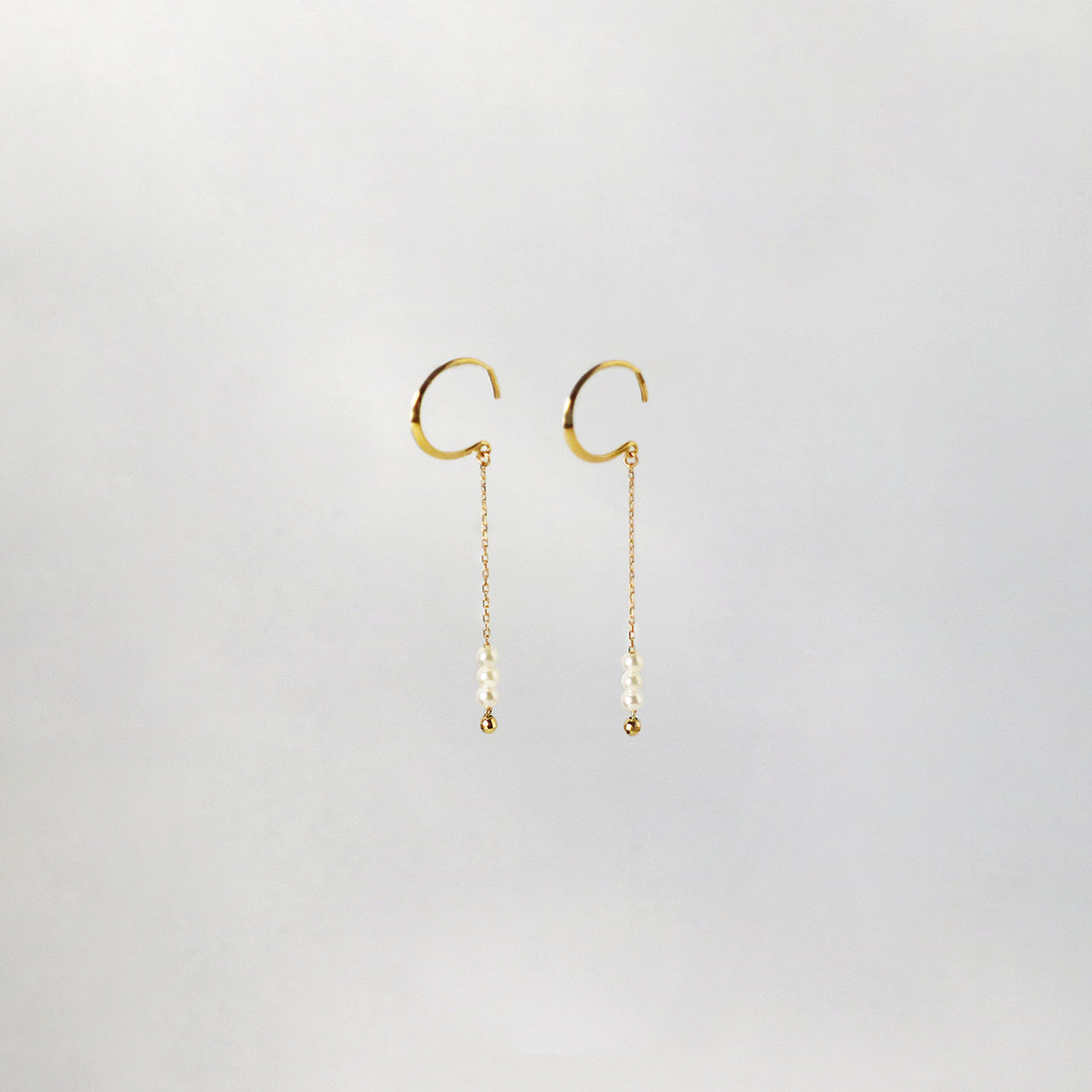 SUZURAN / Baby Pearl Hook Earrings (Short)