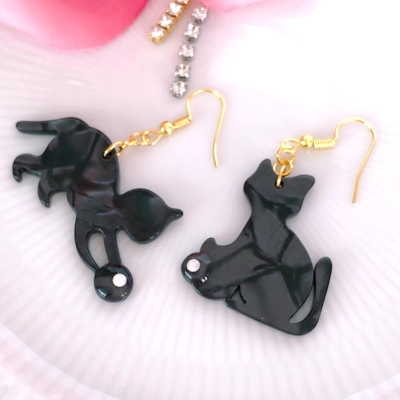 【サニーショコラ】黒猫アシンメトリーピアスp1201002