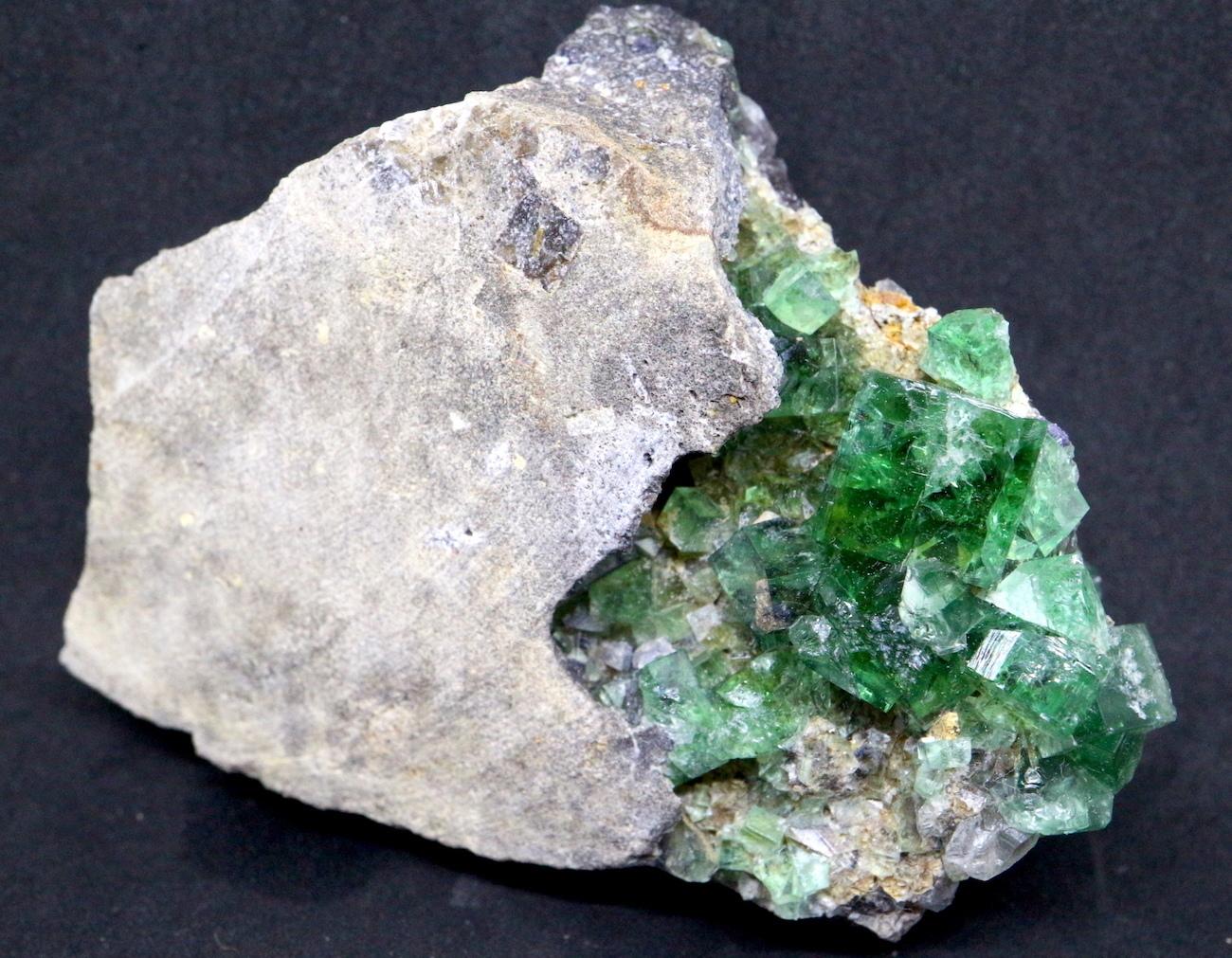 ロジャリー鉱山! グリーン フローライト 蛍石 原石 イギリス産 185,3g  FL019