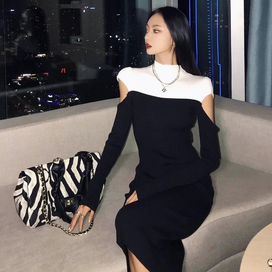 monotone cut sleeve dress