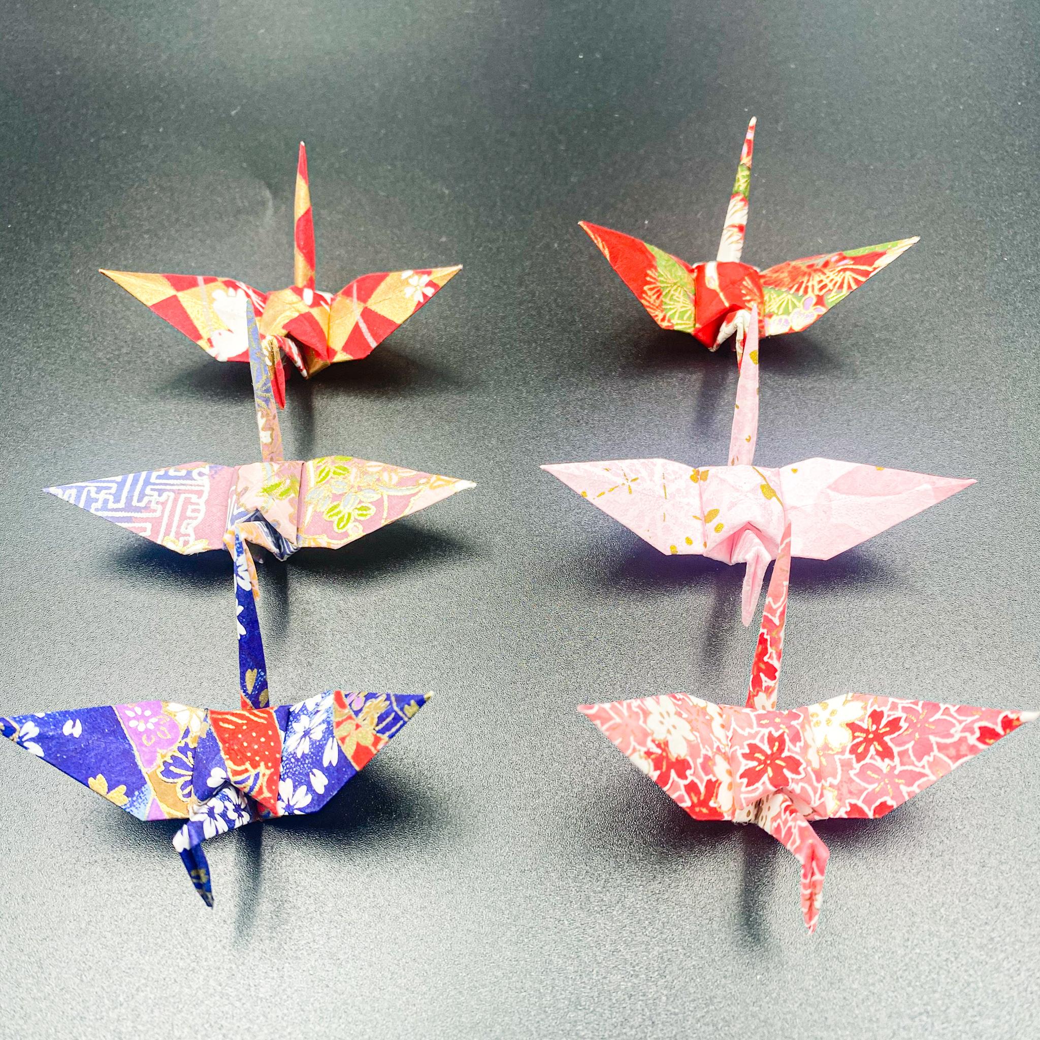 【受注制作】手染め和紙の折り鶴「はじまり」(神前式、和装婚折り鶴シャワー演出・和風撮影小物)160羽入り