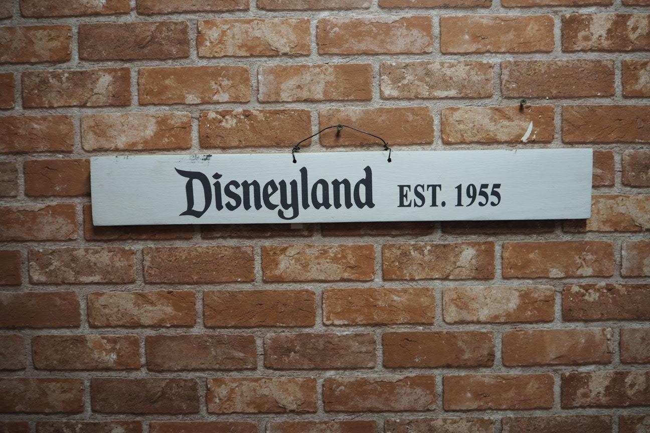 品番0846 ディズニーの木の看板 創作品