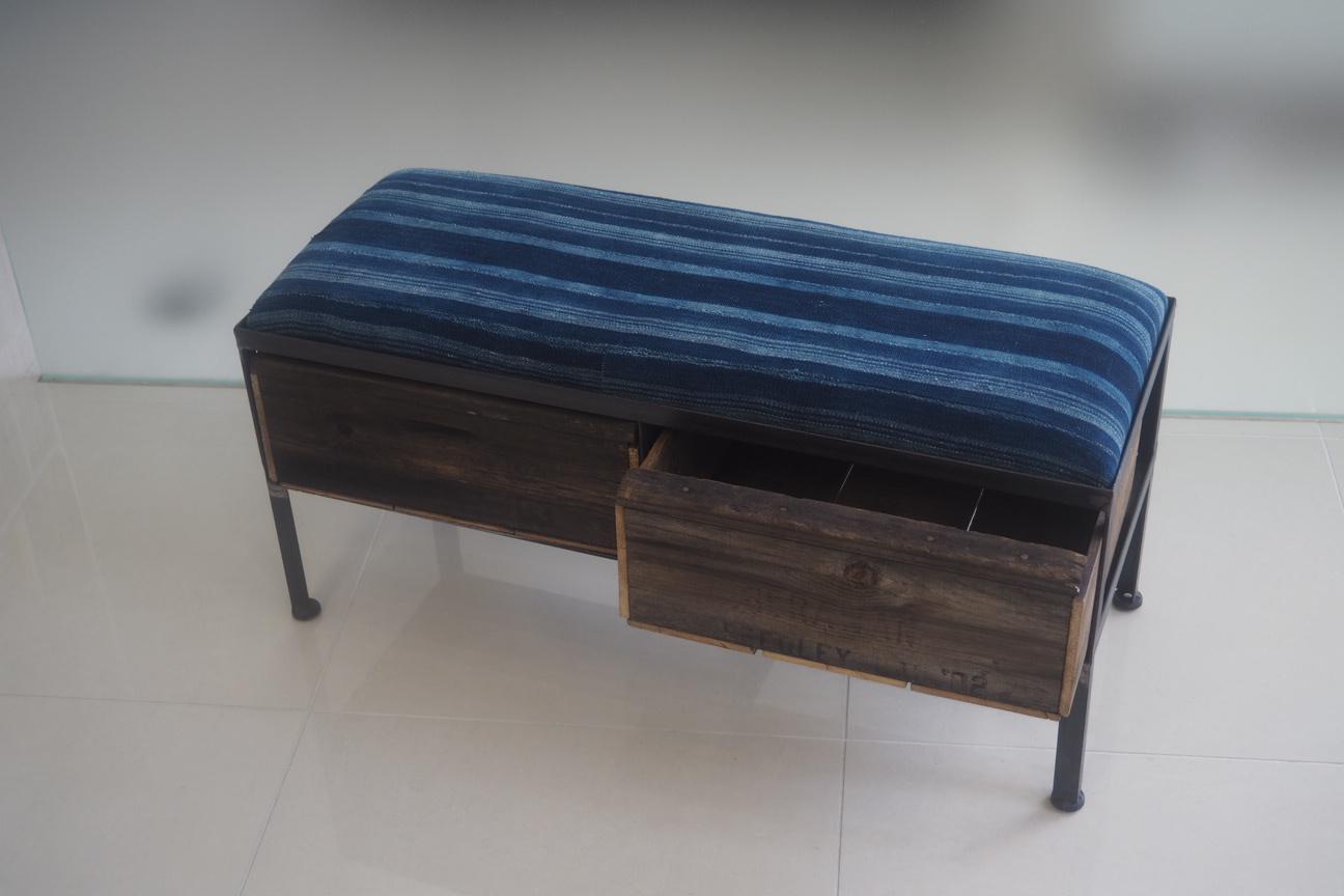 品番UAI2-127  2drawer ottoman[narrow/African indigo batik tribal]