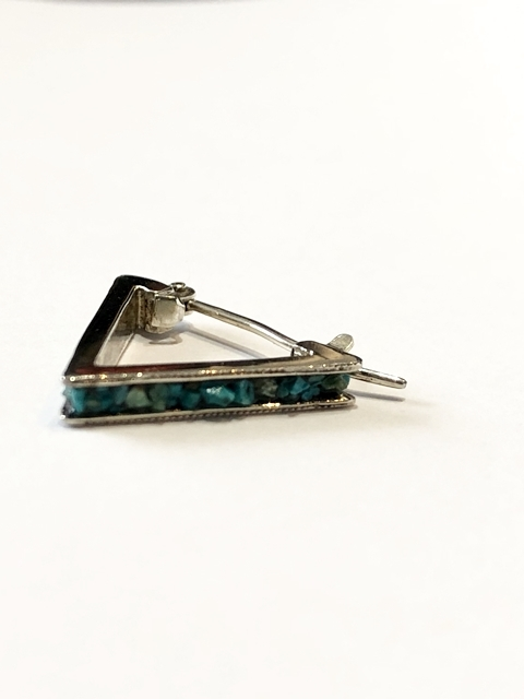 40%OFF【GARDEN OF EDEN】EMBEDDING TURQUOISE TRIANGLE PIERCE