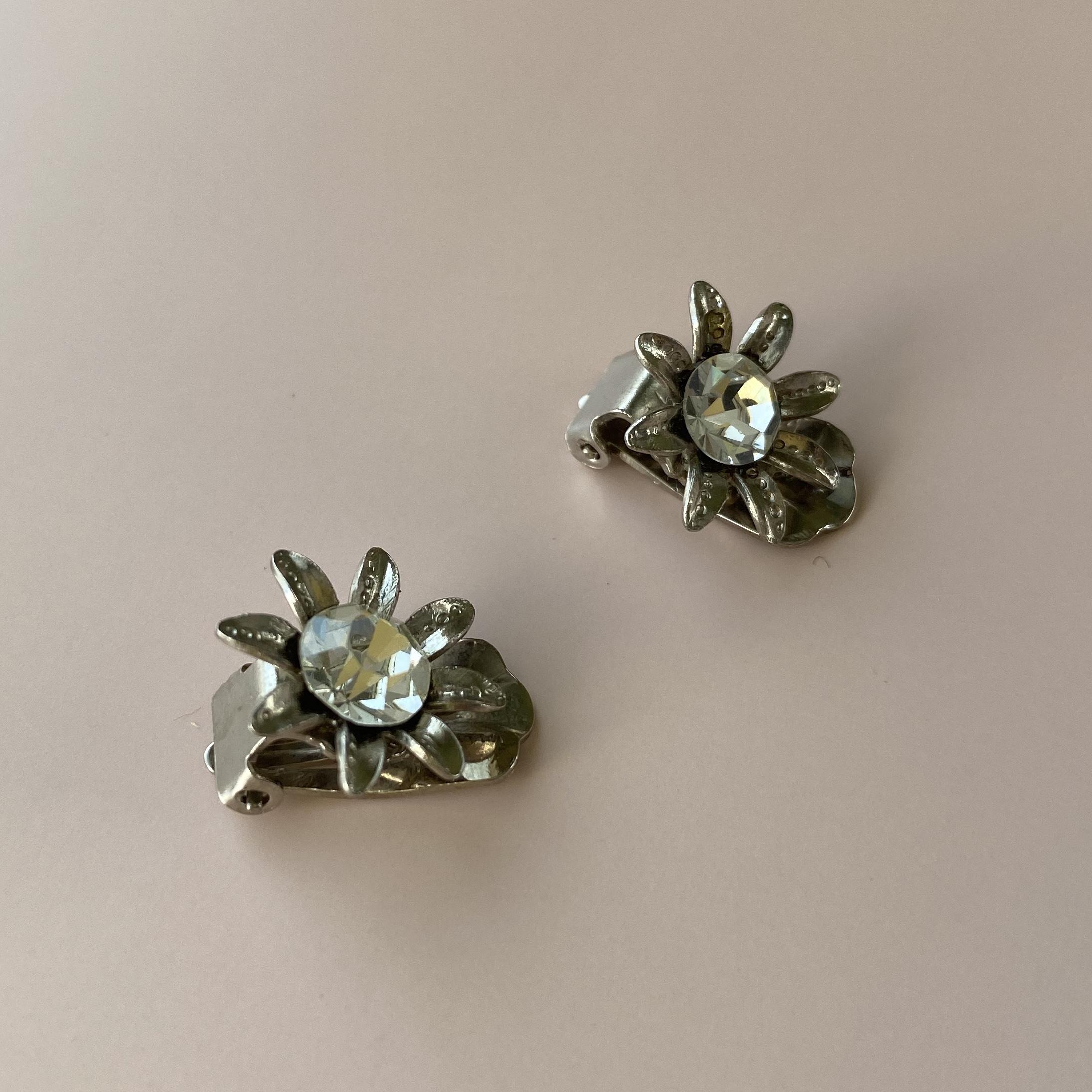 France 花型イヤリングa・クリア /  ac0061