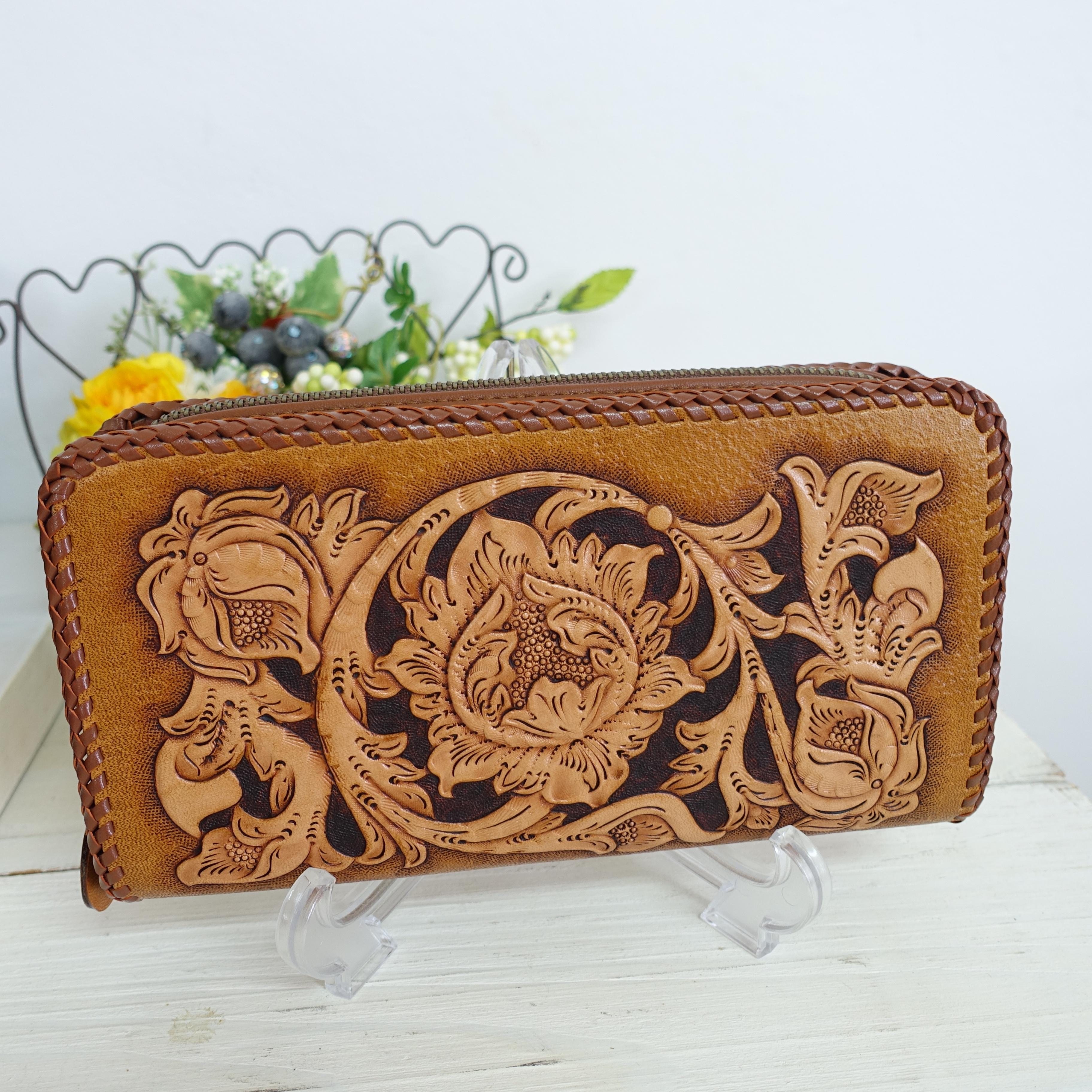 BAGみたいにサマになるカービングのお財布~唐草バイカーズ/オレンジブラウン(送料無料)