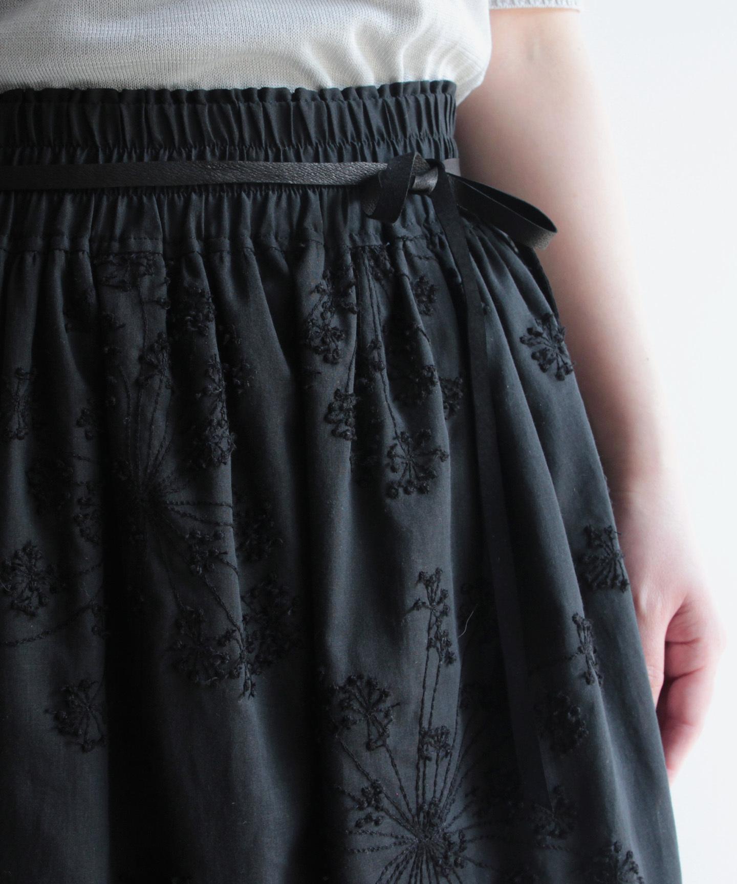 フェンネル刺繍スカート(evi219  BLK・ブラック)