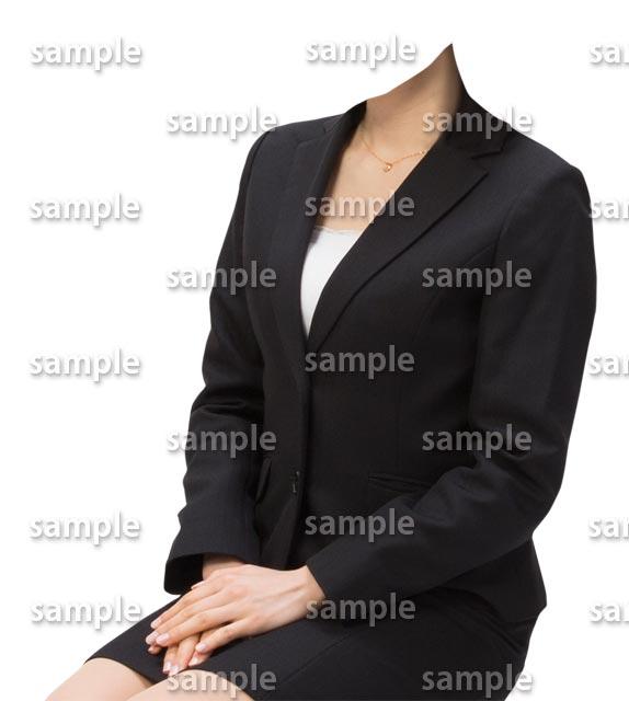 女性ビジネス黒スーツ斜めA
