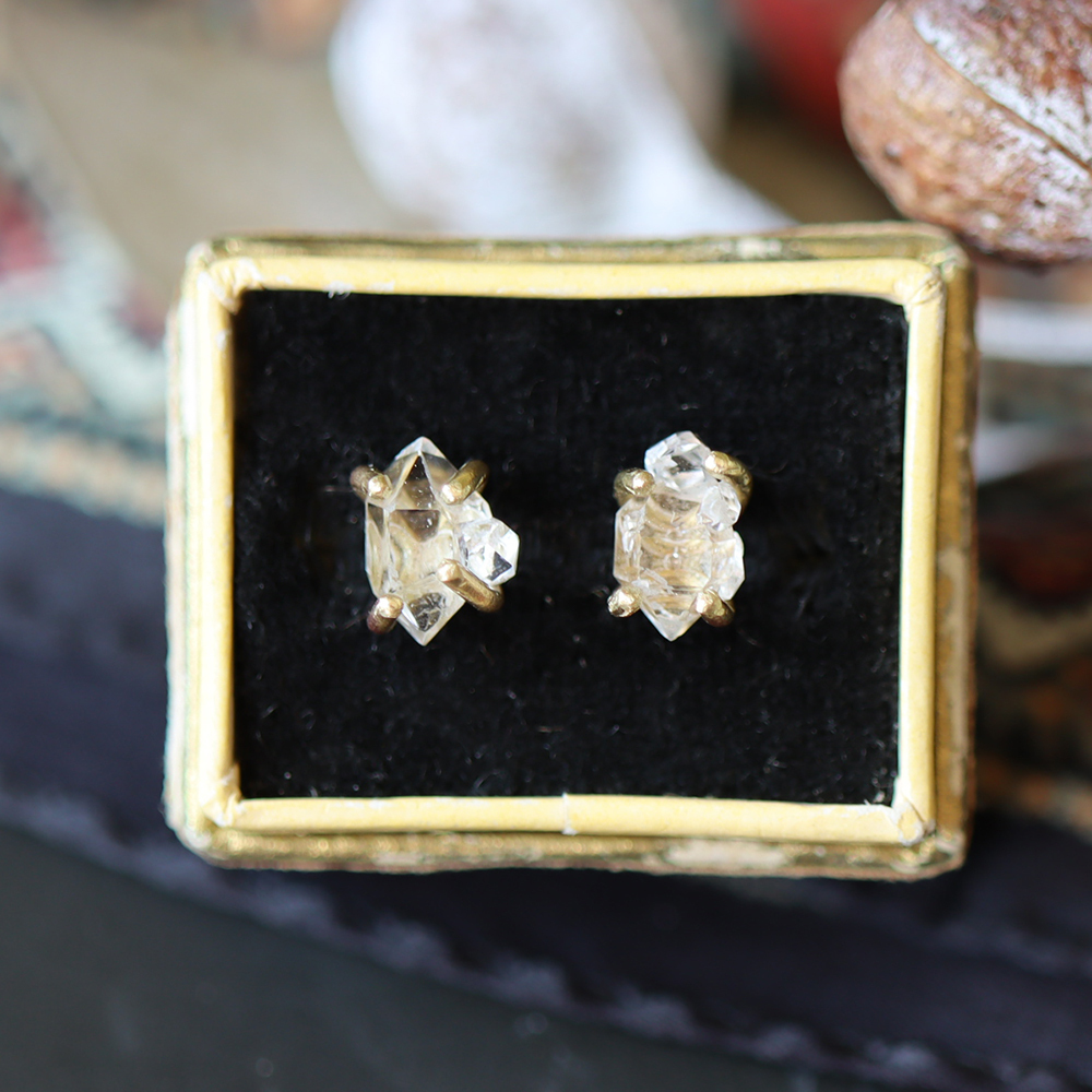 【一点物】双子の原石ダイヤモンドクォーツのピアス