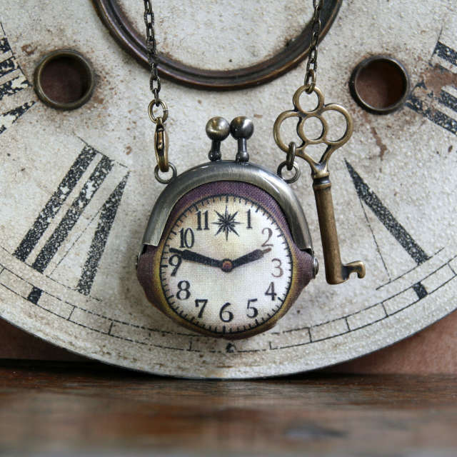 【即納】時計がま口ミニ 鍵のネックレス  アンティーク風時計 - 金星灯百貨店
