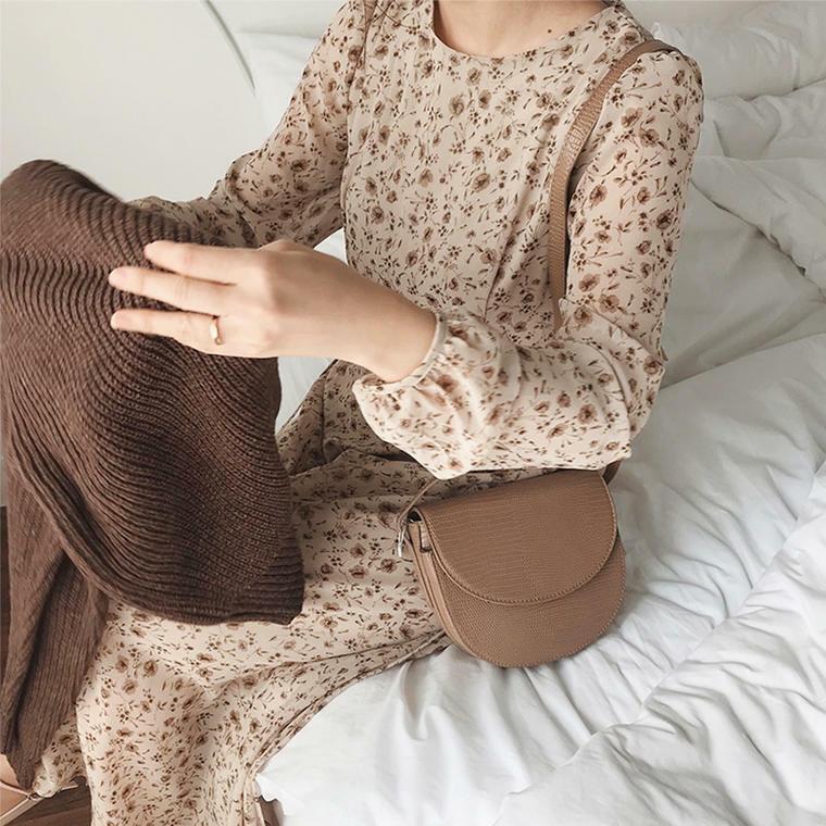 【送料無料】 秋カラーの花柄 ♡ 大人可愛い フェミニン レトロ ロング丈 ワンピース
