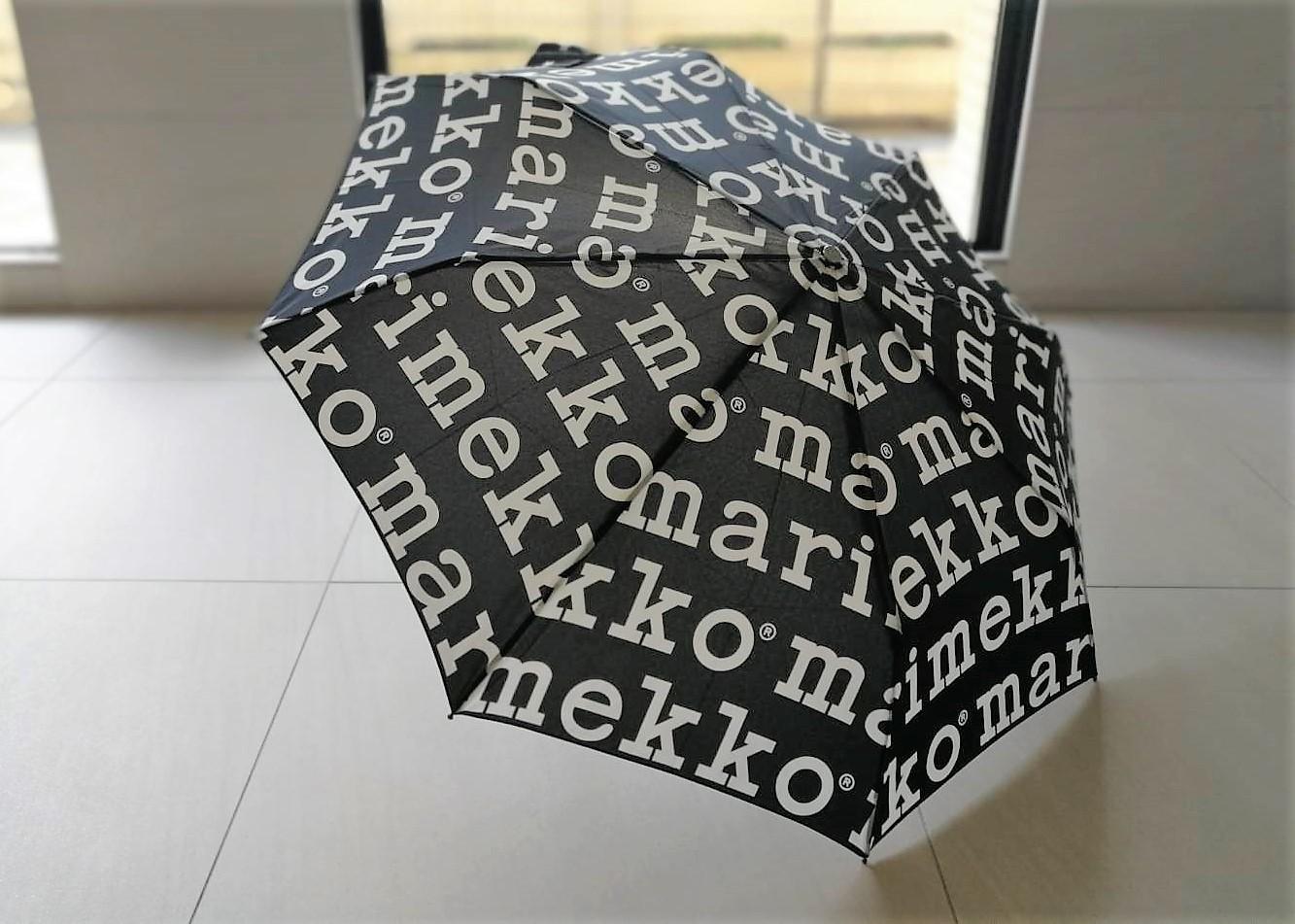 [日本未入荷] しっかりサイズ 折りたたみ傘 /マリメッコ / マリロゴ (BK)