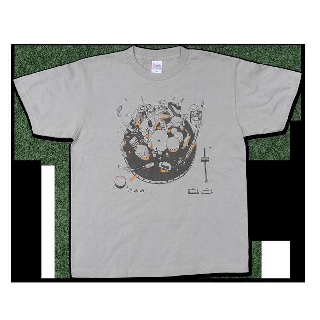 【残り僅か】sasakure.UK『トンデモ未来空奏図』Tシャツ シルバーグレー(メンズ) - 画像1