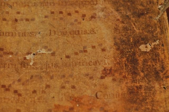 羊皮紙のグレゴリオ譜が表紙のノート