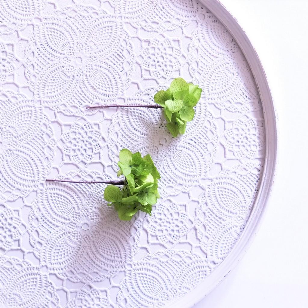 〖 グリーン・ソフトアジサイのヘッドドレスパーツ2本 〗お好きなプリザ花材をカスタムメイドでお作り致します