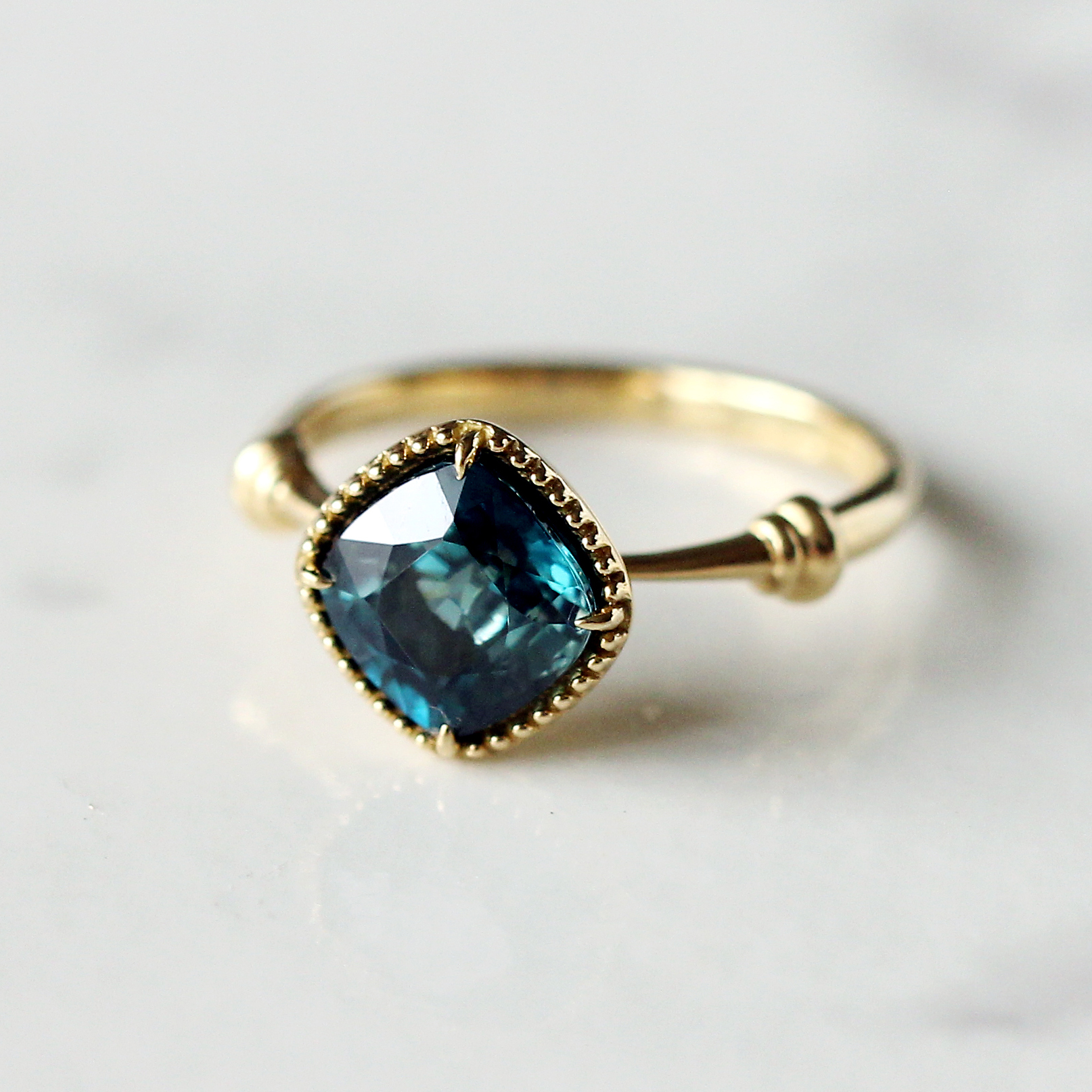 blue zircon ring / K18YG