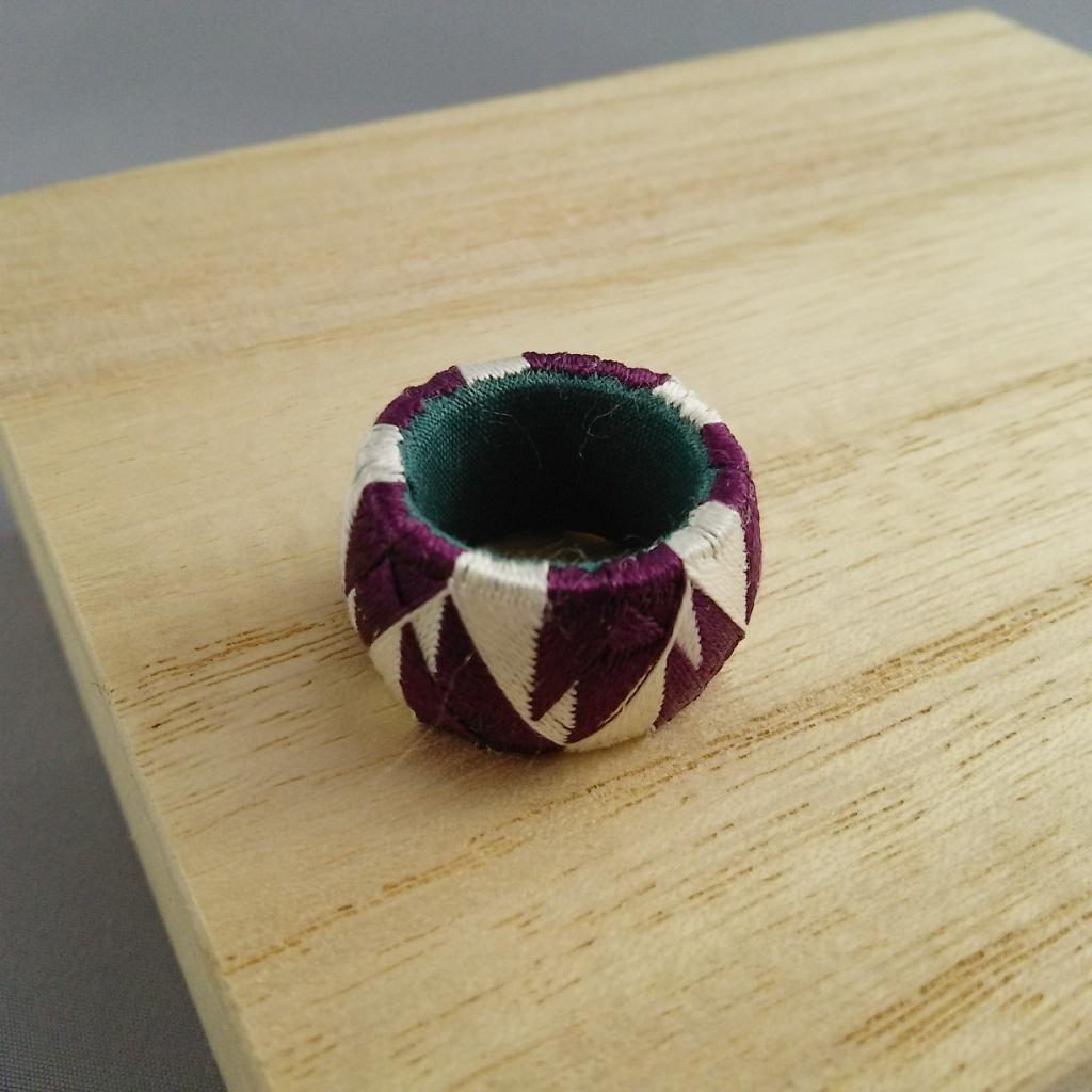 加賀ゆびぬき・花(紫と白)