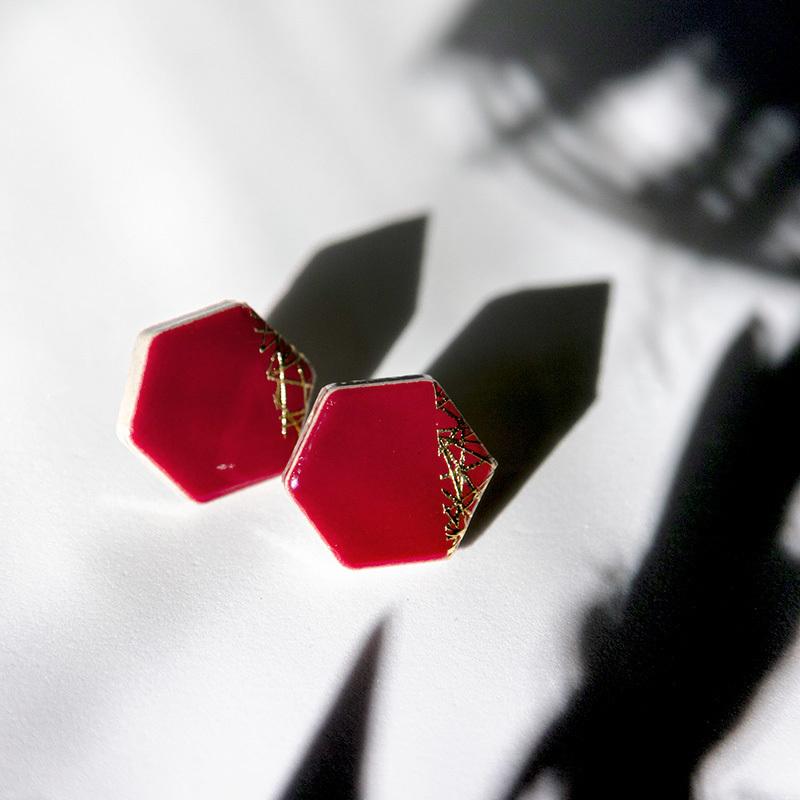 伝統工芸品 美濃焼 六角形 バーガンディ 木漏れ日 イヤリング&ピアス
