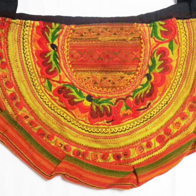 タイモン族刺繍ハンドバッグ