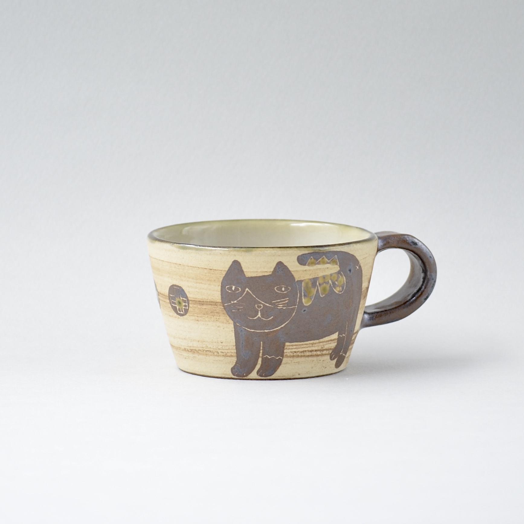 ハチワレネコのマグカップ s4