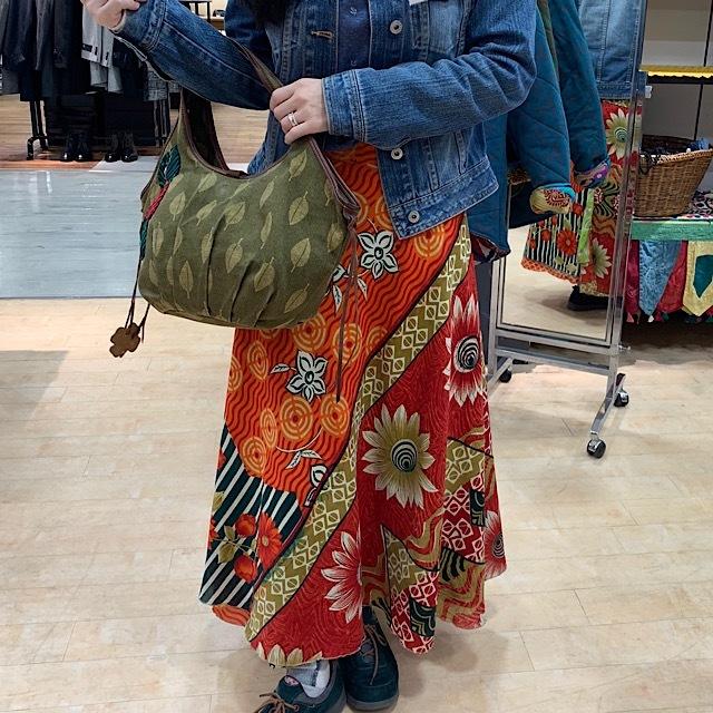 drm-102 葉っぱ刺繍のまるいハンドバッグ
