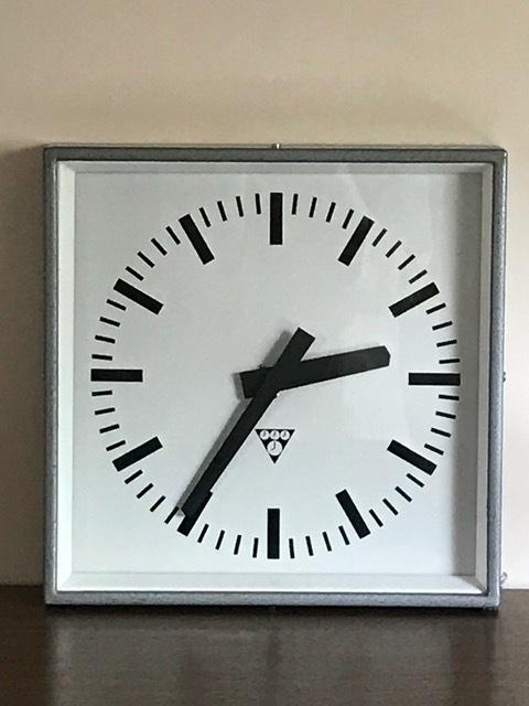 パラゴトロン社 掛時計