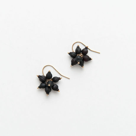 BOTANICAL JEWELRY/ボタニカルジュエリー VIBURNUM TINUS  HOOK EARRINGS / VT7_B_GF (BLACK)