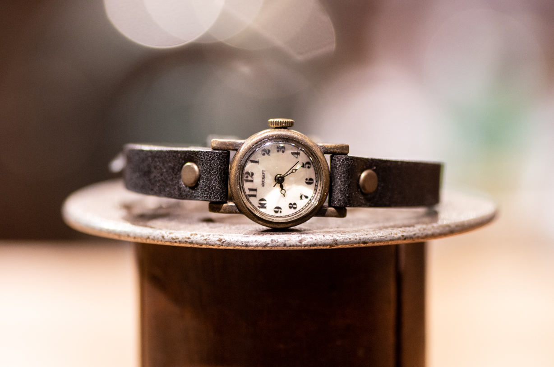 レトロシンプルなかなり小さめな腕時計(Silk Mini/在庫品)