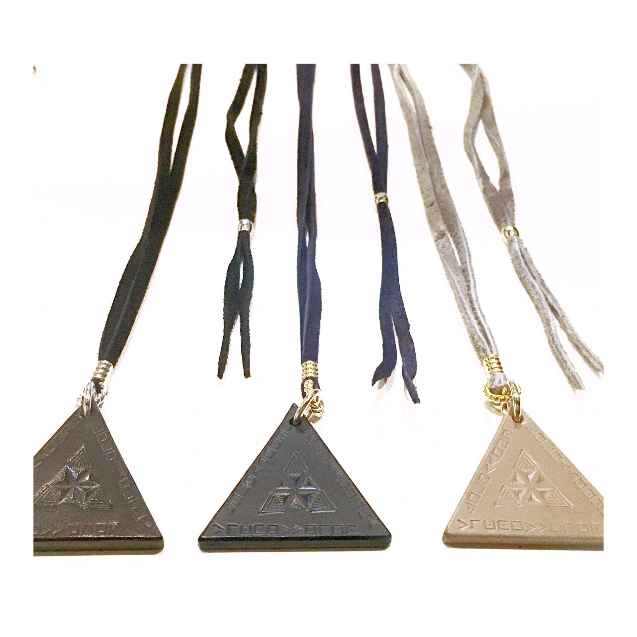 nahezu gleich / Dreieck Necklace (blk) - 画像3