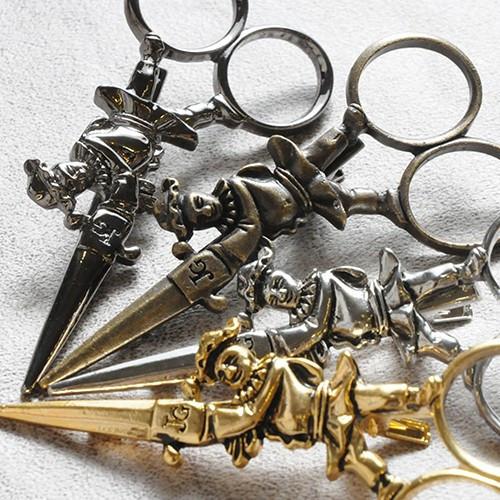 JGavec27 scissors clip A