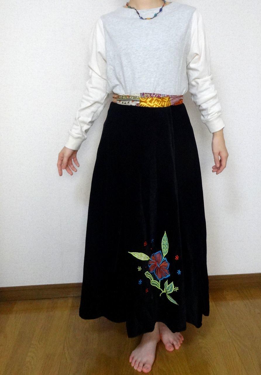 EMS-004BL ベルベット刺繍×シルク巻きスカート 黒