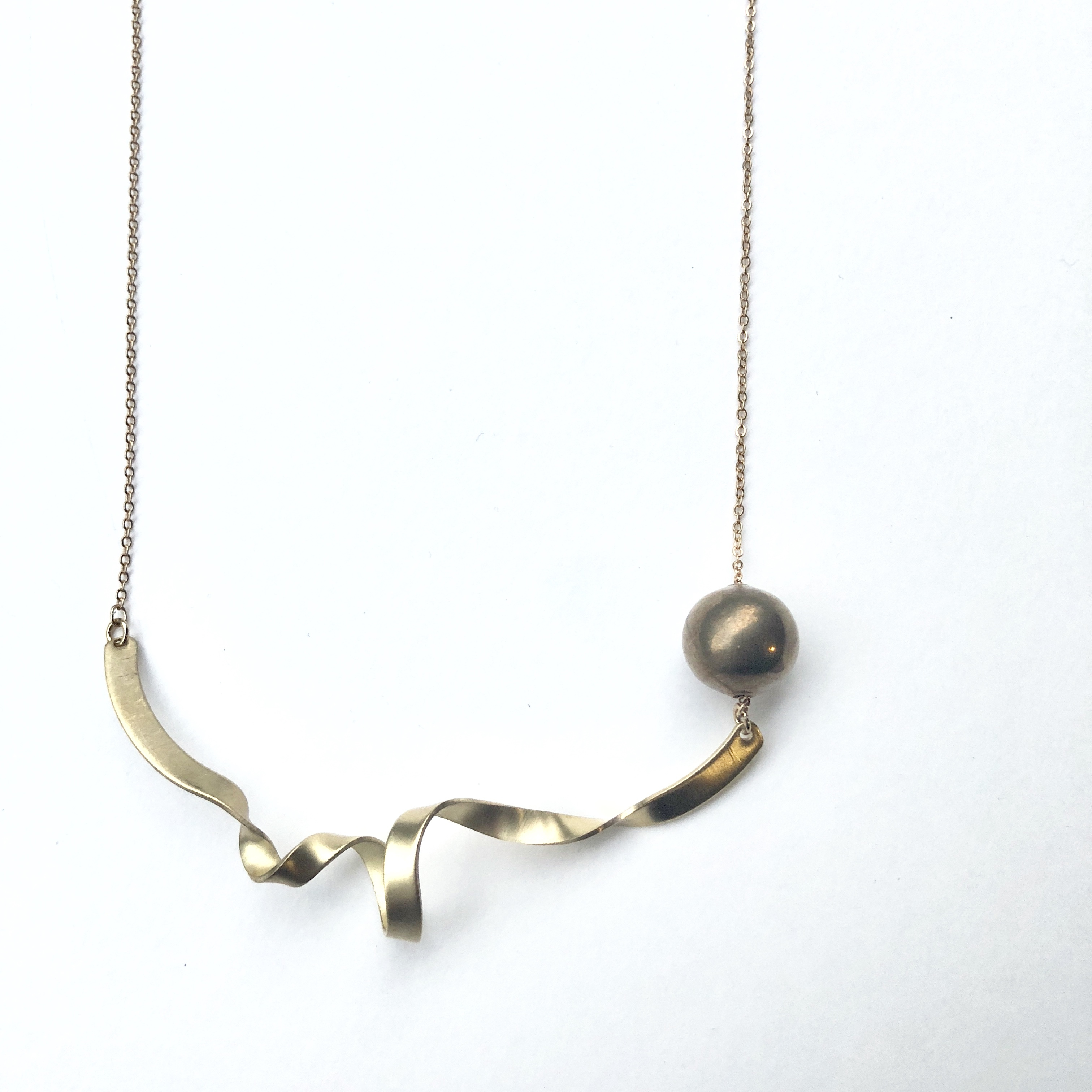 Whirl wave nacklace No. 103
