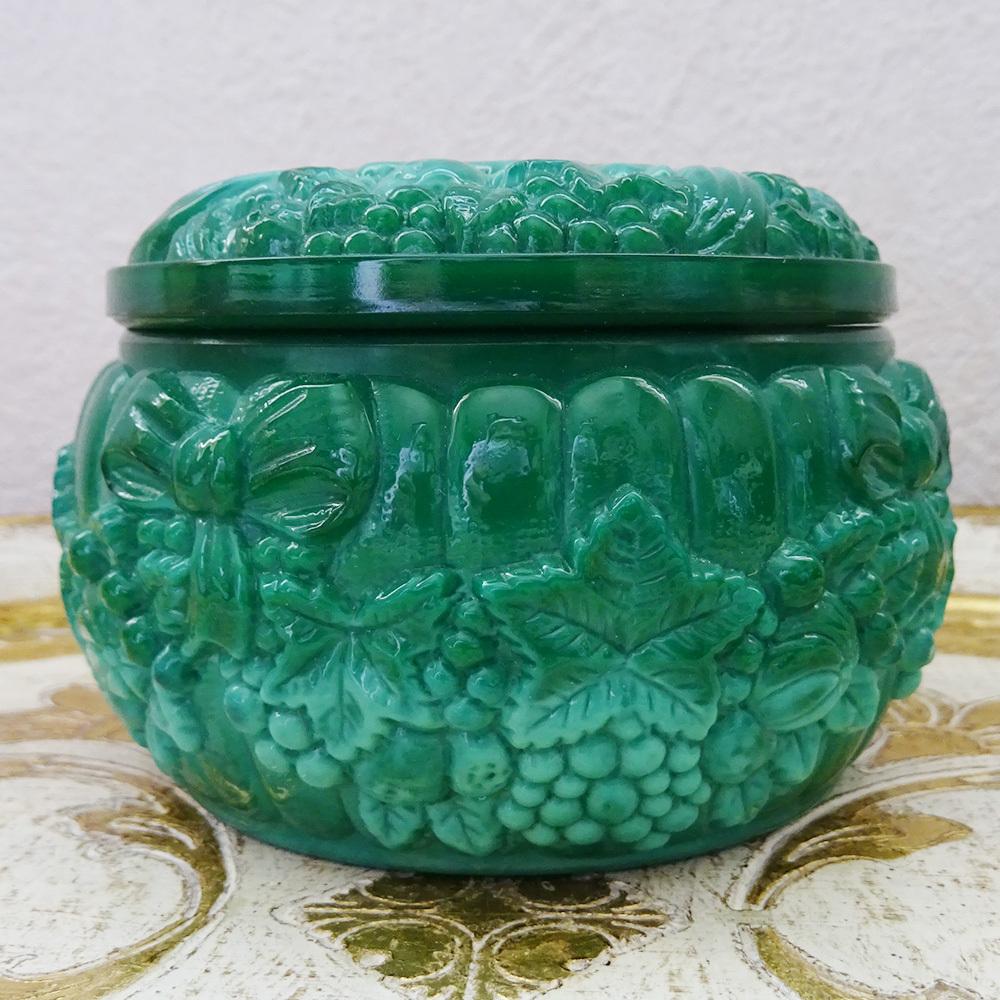 チェコスロバキア ボヘミアガラスのジュエリーポット  / グリーン