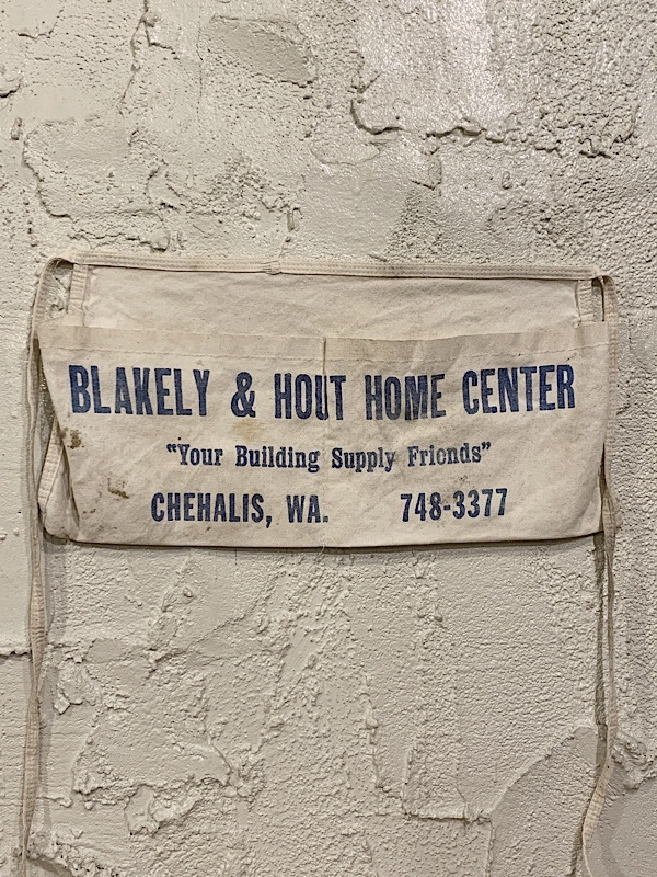 """WORK APRON """" BLAKELY & HOUT HOME CENTER """""""