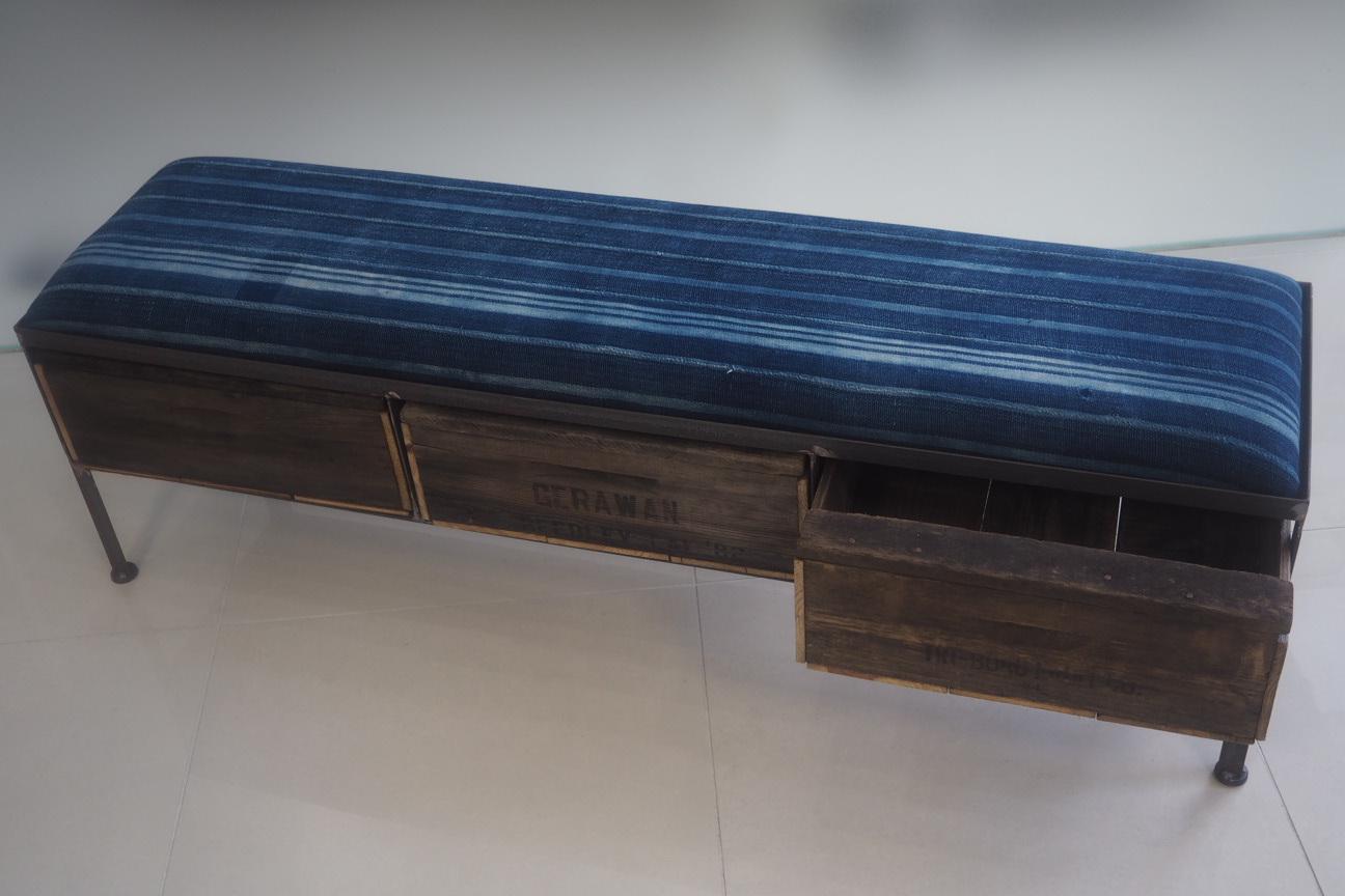 品番UAI3-124 3drawer ottoman[narrow/African indigo batik tribal]