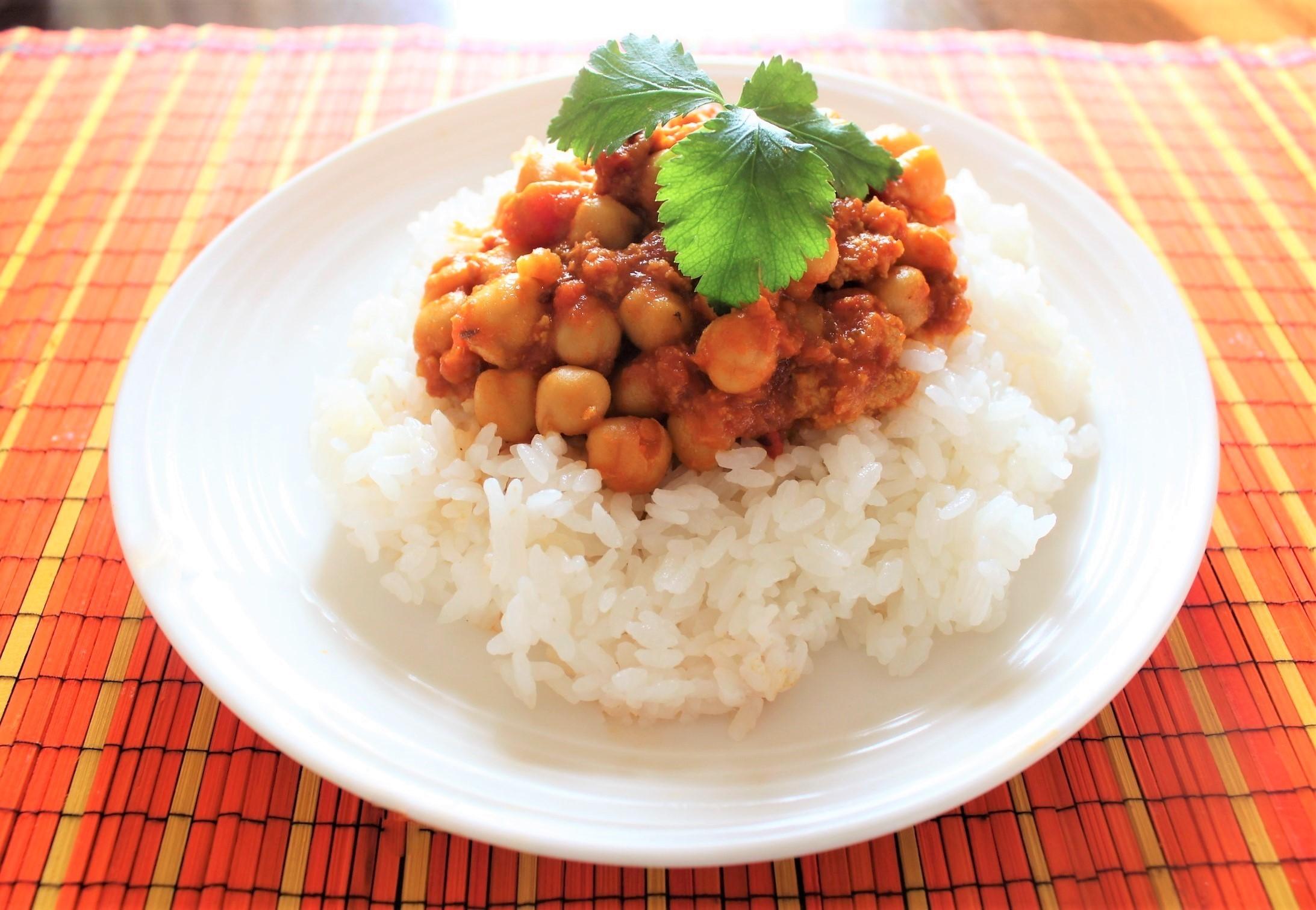 【2月再入荷予定】ひよこまめとトマトのカレー 豆付きスパイスセット 4人前