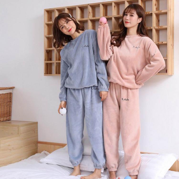 【送料無料】 冬のリラックスタイムに♡ ロゴ刺繍入り ベロア ルームウェア セット パジャマ ラフスタイル