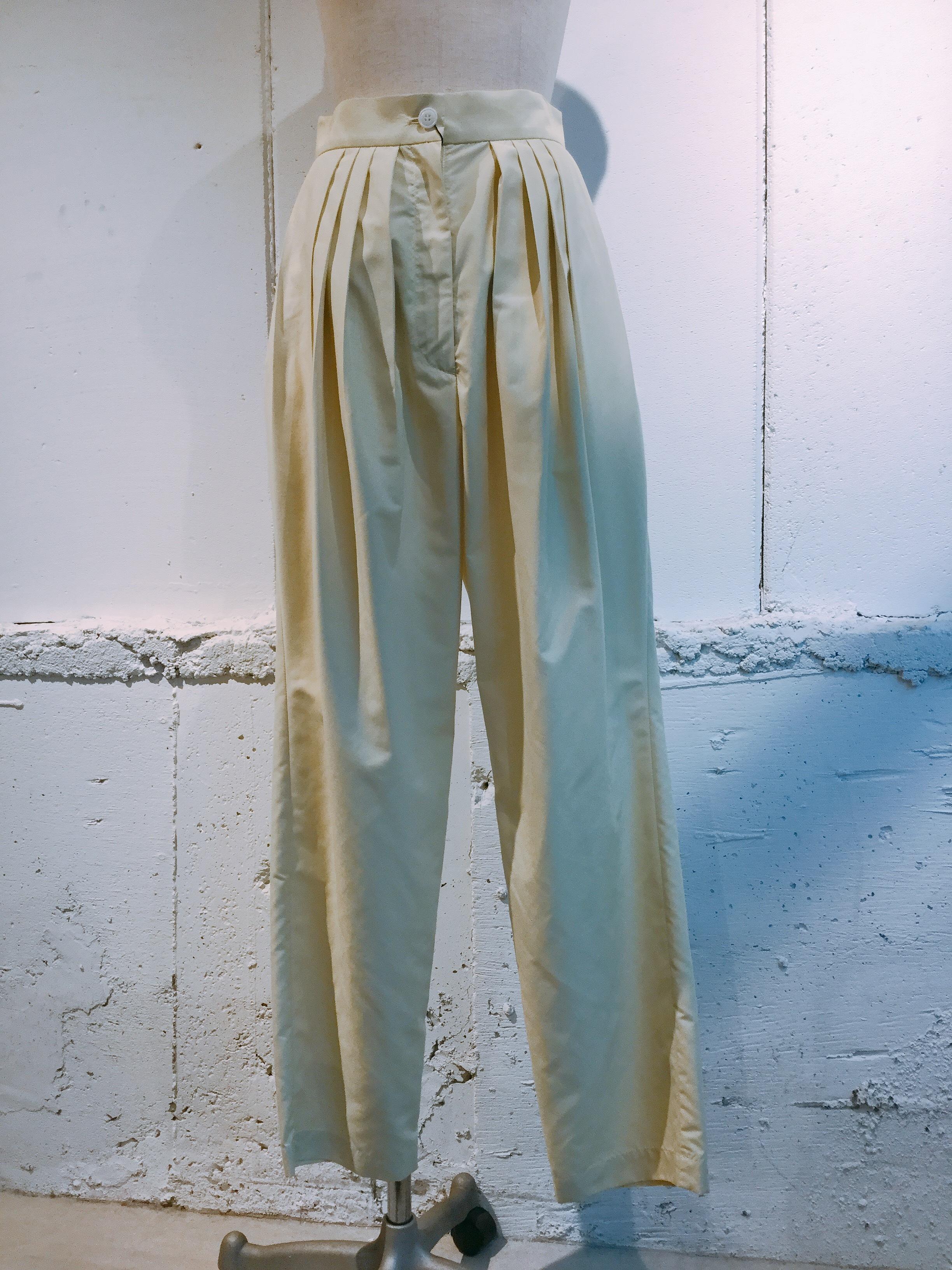 OKIRAKU Tuck pants