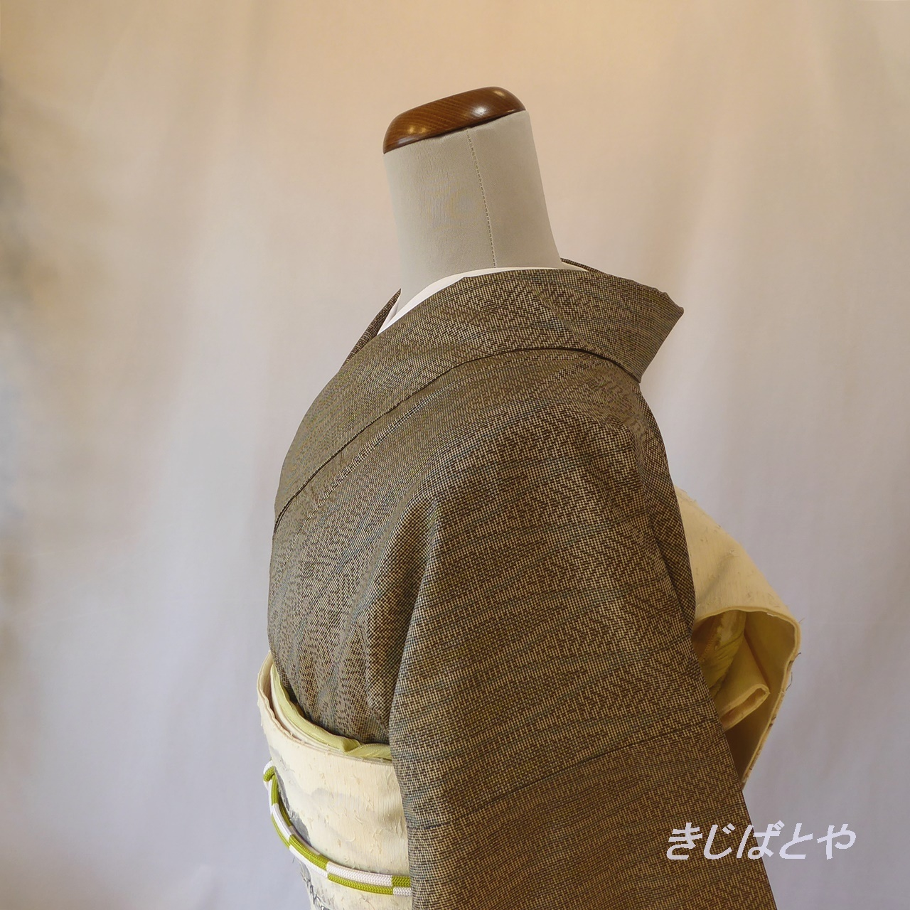 本場大島 銀煤竹色の小紋 袷