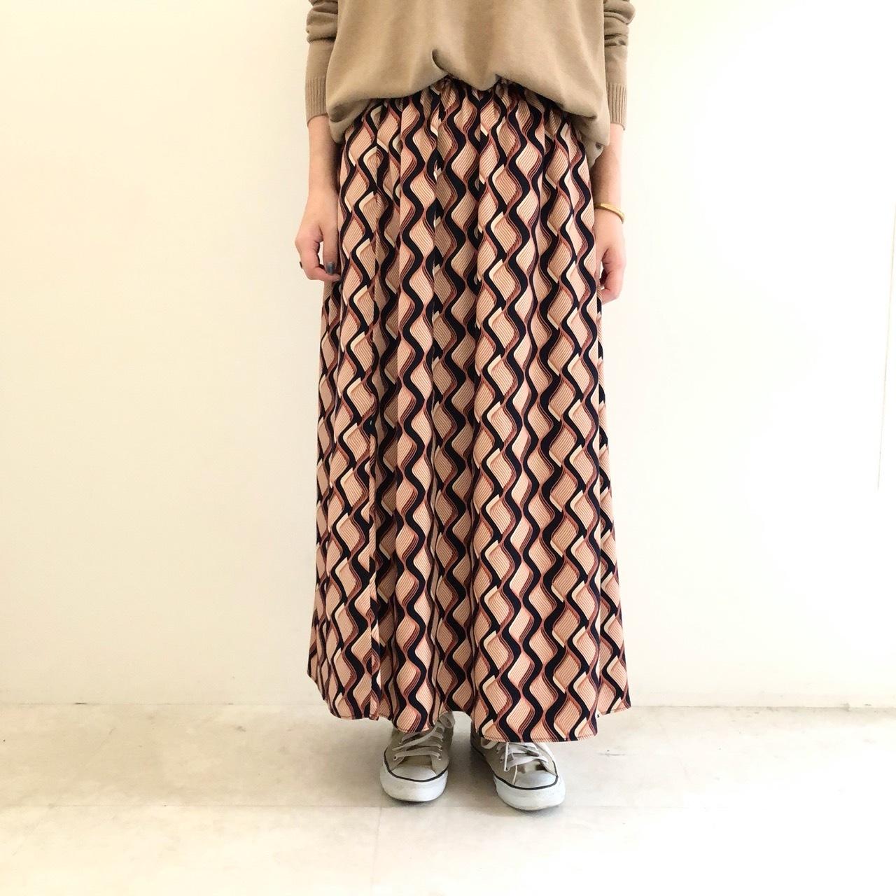 【 QTUME 】- 952-26602 - 総柄スカート