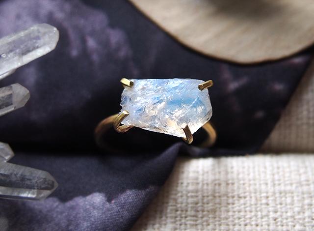 [一点物]原石のムーンストーンのリング