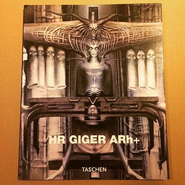 作品集「Hr Giger Arh+」 - 画像1