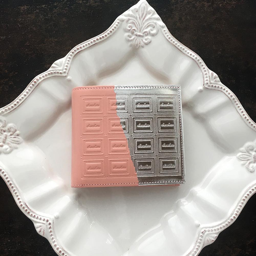 革のストロベリーチョコ・二つ折り財布(銀の包み紙)