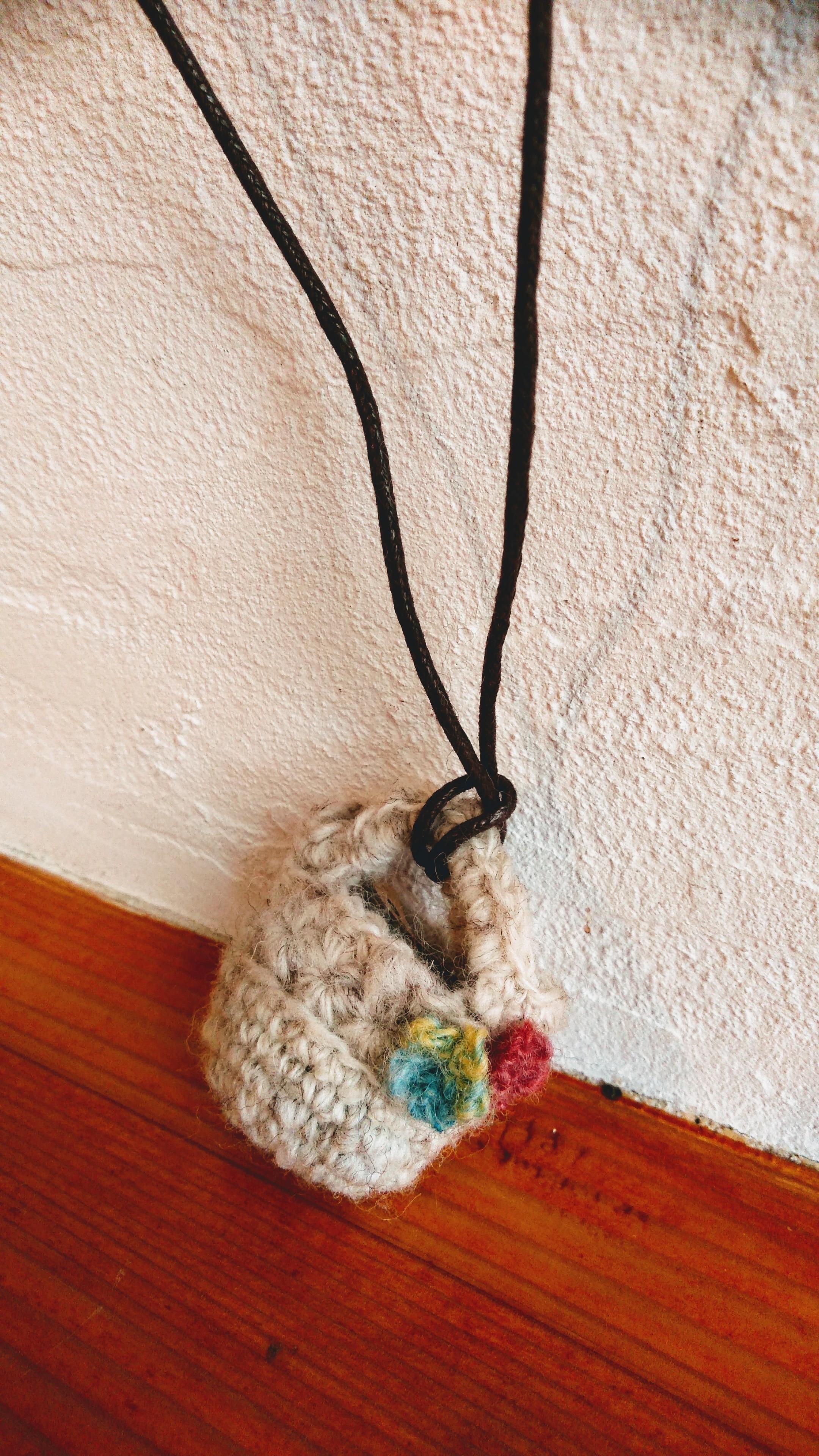 手紡ぎ糸マルシェバッグのペンダント