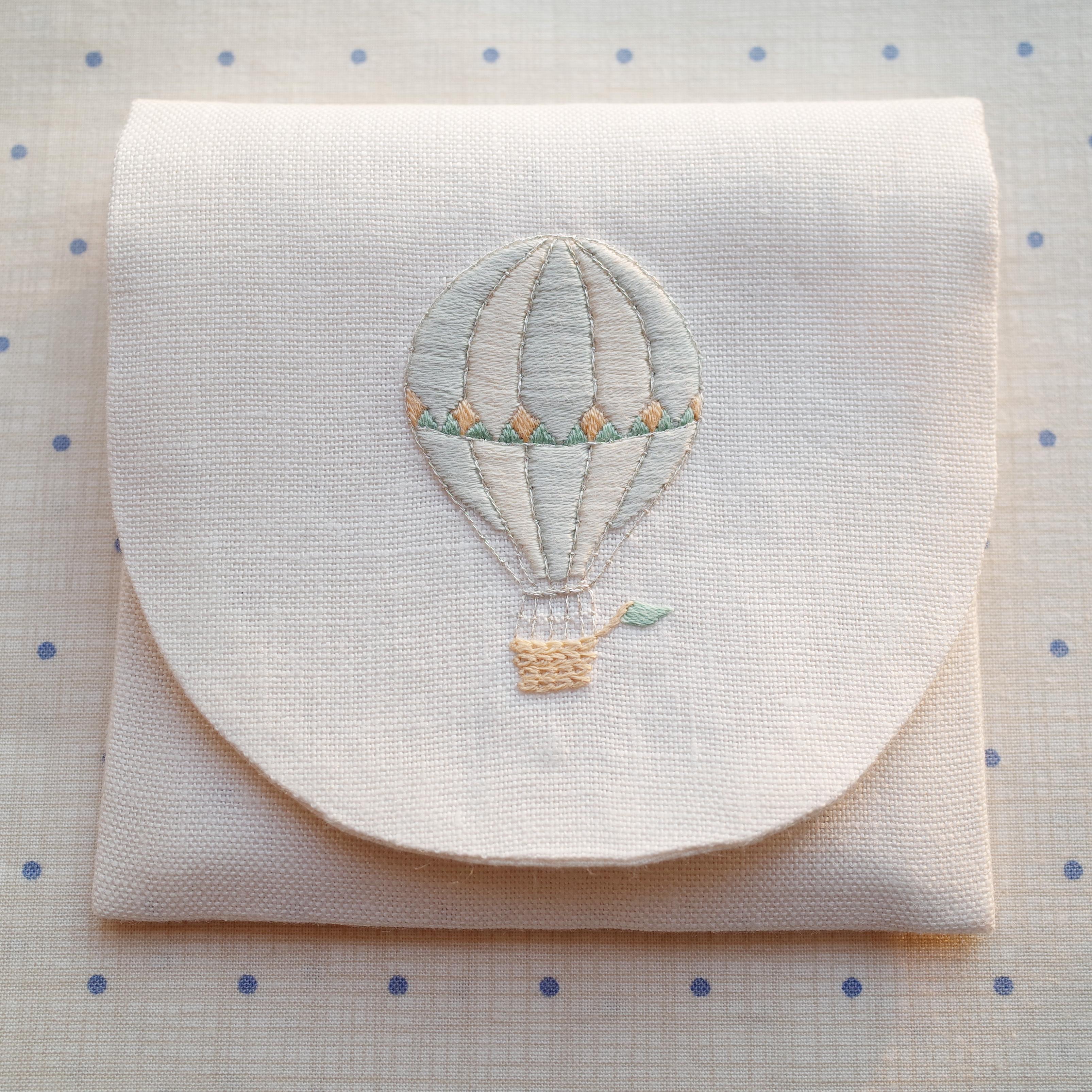刺繍のキット 気球のポーチ