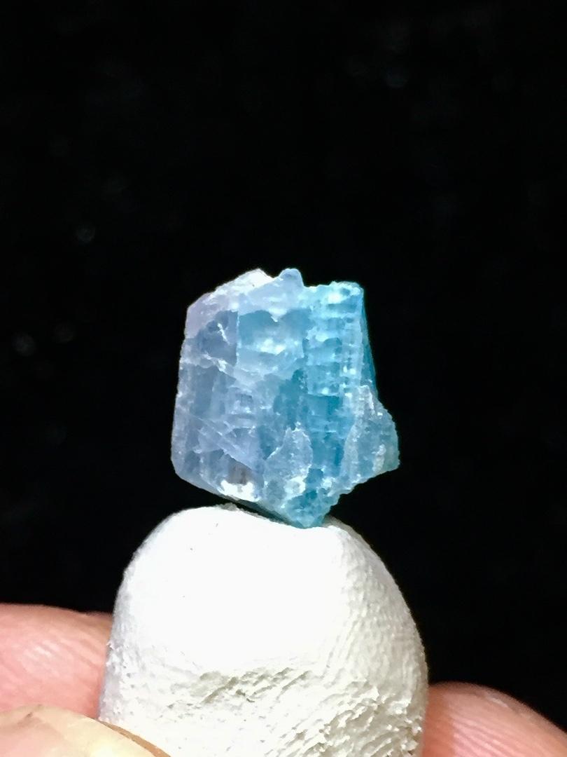 37) パライバ・トルマリン原石