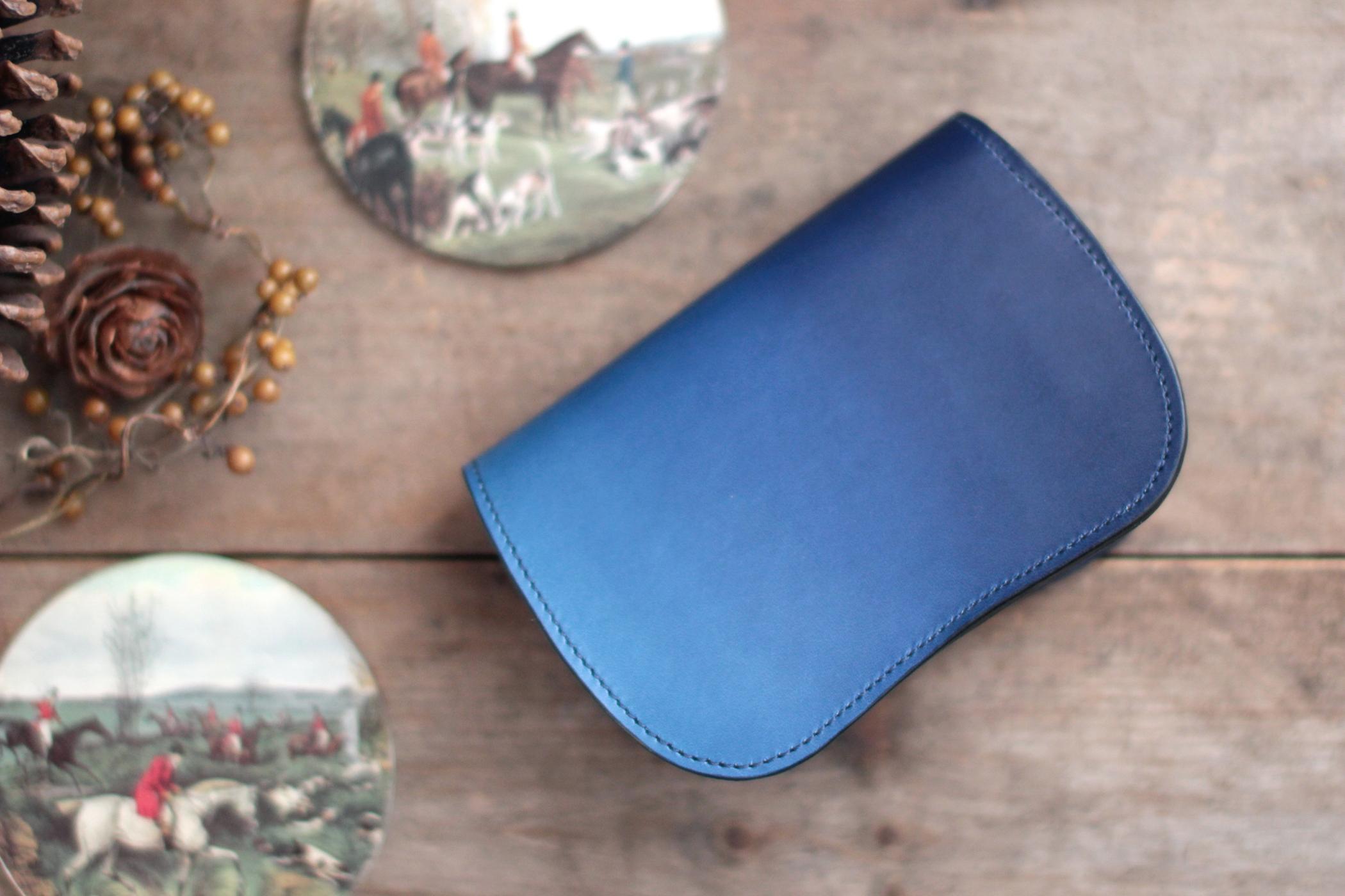 藍染革[migaki] 二つ折り財布 【天藍】