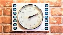 品番0280 陶器のヨーロッパ時計