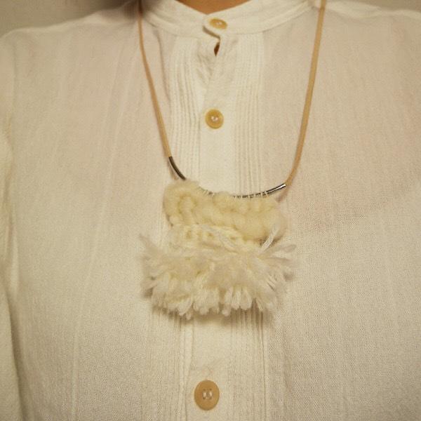 ≪オリジナル≫手織りネックレス【雪】