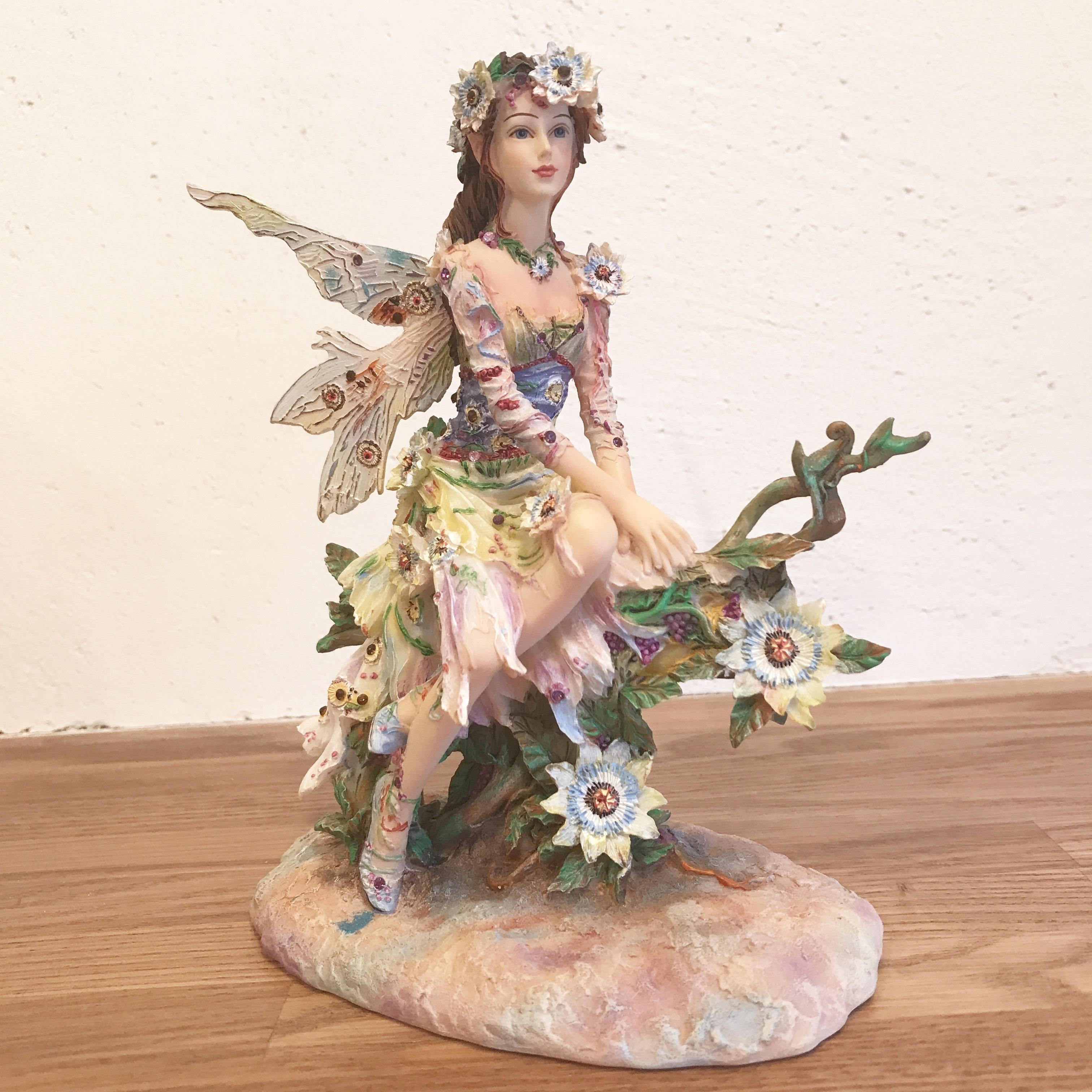 ザ・パッションフラワー・フェアリー The Passion Flower Faerie